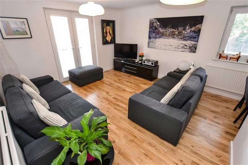 2 Bedrooms Apartment Flat for sale in Culvercliffe Walk, Deansgate, Manchester, M3