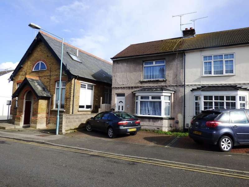 3 Bedrooms End Of Terrace House for sale in King Edward Road, Gillingham