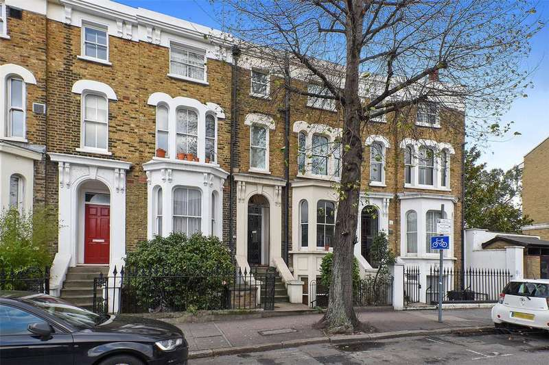 2 Bedrooms Flat for sale in Grove Road, Bow, London, E3