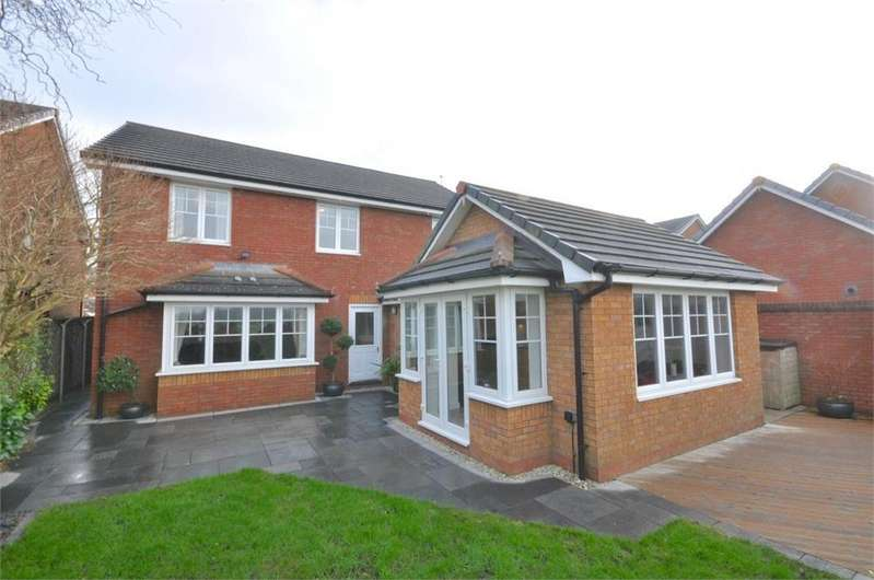 5 Bedrooms Detached House for sale in Eaton Place, Hartford, Northwich, Cheshire