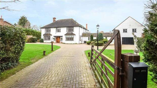 6 Bedrooms Detached House for sale in Sandisplatt Road, Maidenhead, Berkshire