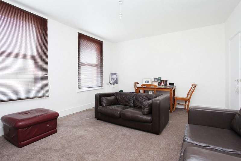 2 Bedrooms Duplex Flat for sale in Newington Green Road, London, N1