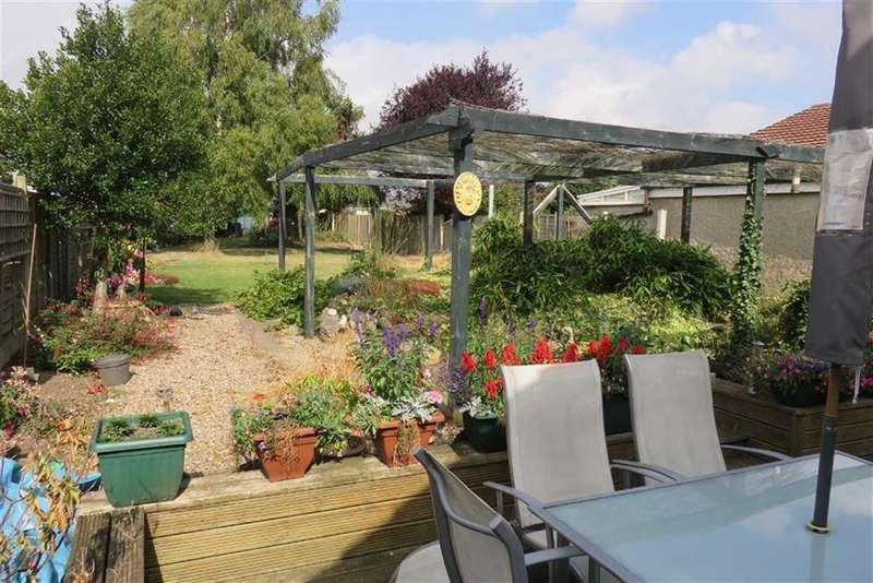 2 Bedrooms Detached Bungalow for sale in Colby Drive, Thurmaston