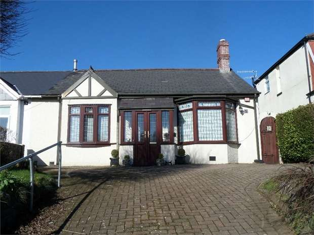 2 Bedrooms Semi Detached Bungalow for sale in Usk Road, PONTYPOOL