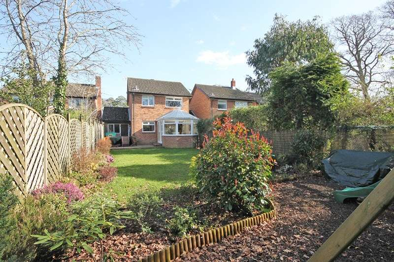 3 Bedrooms Detached House for sale in Brookside Road, Bransgore, Christchurch