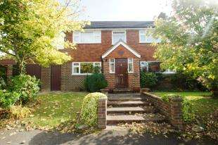4 Bedrooms Detached House for sale in Mill Close, Lower Beeding, Horsham, West Sussex