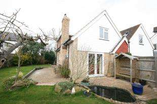 4 Bedrooms Detached House for sale in Wannock Lane, Eastbourne, East Sussex
