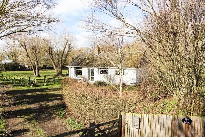 3 Bedrooms Detached Bungalow for sale in Fen Bank, Isleham