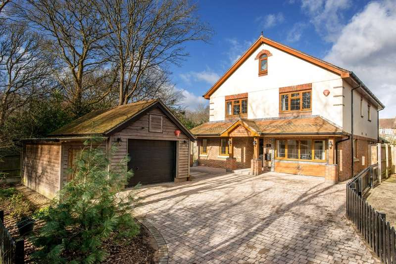 5 Bedrooms Detached House for sale in CHEWTON FARM ESTATE