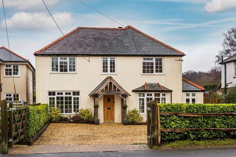 4 Bedrooms Detached House for sale in Haslemere Road, Liphook, GU30