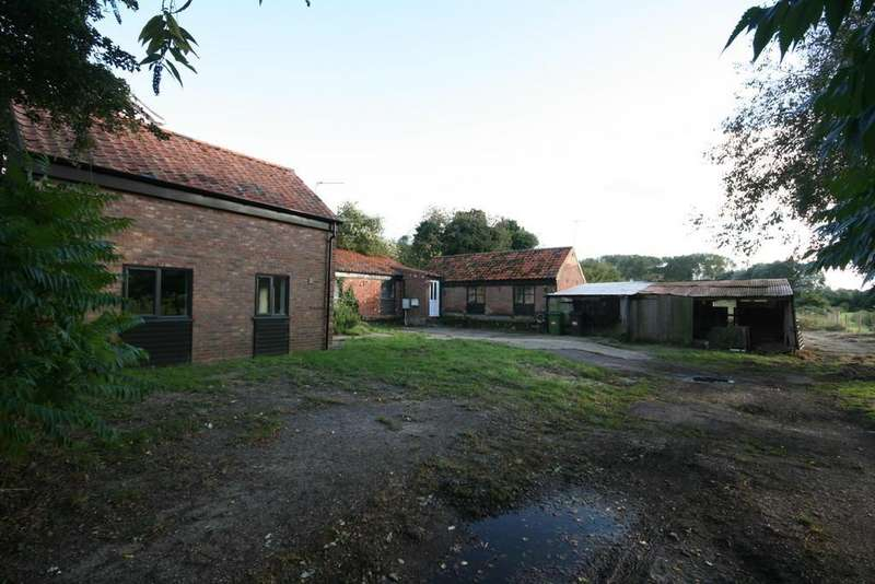3 Bedrooms Barn Conversion Character Property for sale in Ashby St Mary