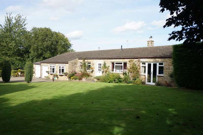 3 Bedrooms Detached Bungalow for sale in Deersprings Cottage,Harrogate Road, Wetherby, LS22