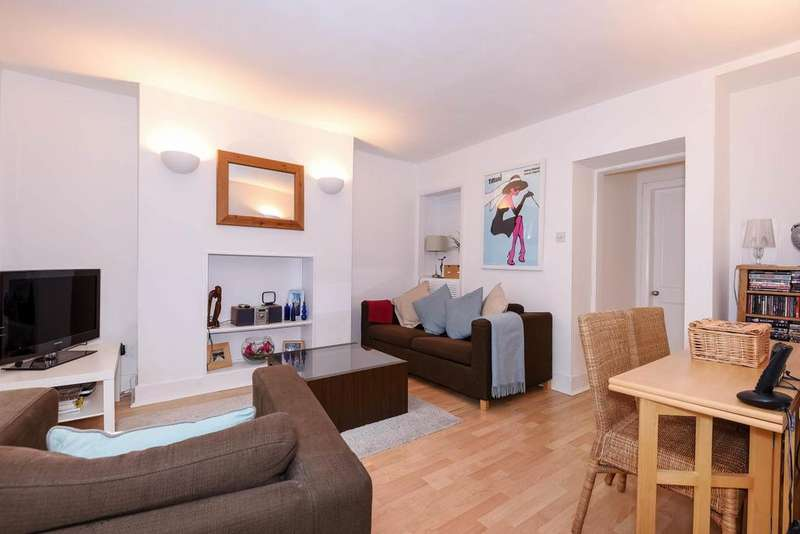 1 Bedroom Flat for sale in Brackenbury Road, Hammersmith, W6