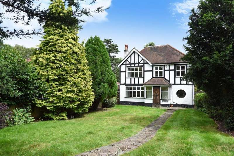 5 Bedrooms Detached House for sale in Grove Close, Hayes, BR2