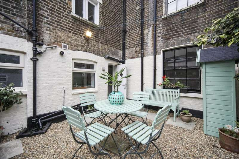 2 Bedrooms Flat for sale in Lyme Street, London