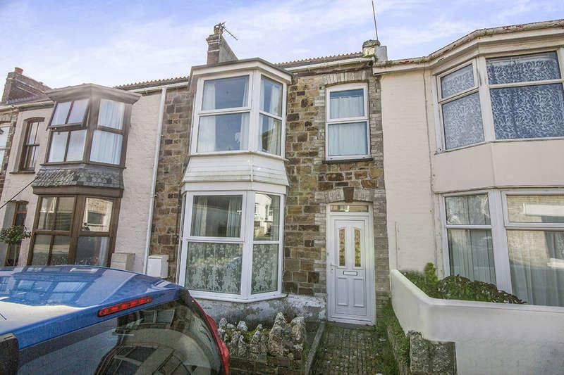 3 Bedrooms Property for sale in Lanhenvor Avenue, Newquay, TR7