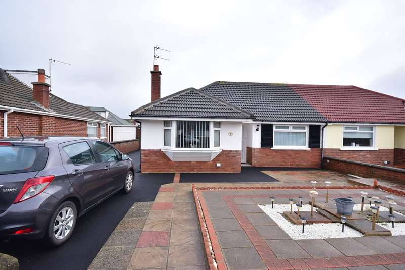 2 Bedrooms Semi Detached Bungalow for sale in Sidmouth Road, Lytham St Annes, FY8
