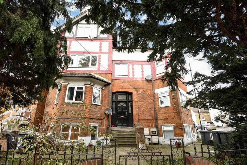 1 Bedroom Flat for sale in Gleneagle Road, Streatham, SW16