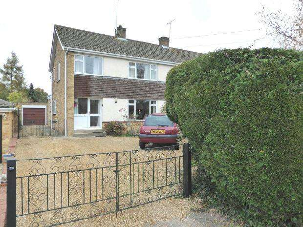 3 Bedrooms Semi Detached House for sale in Courtington Lane, Bloxham, Banbury