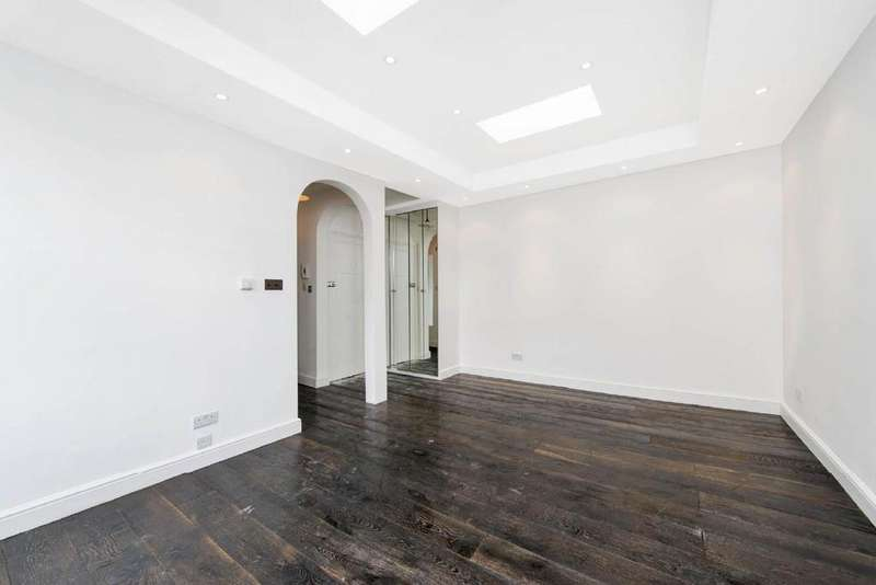 Studio Flat for sale in Hatherley Grove, Bayswater, W2