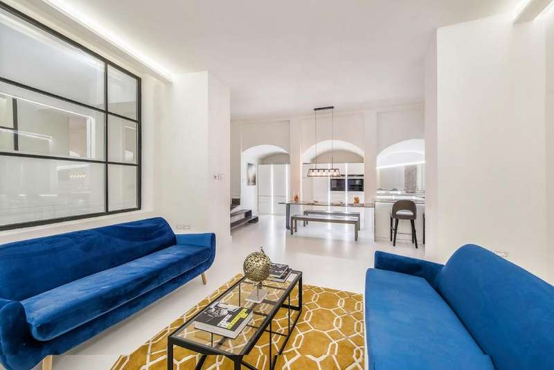2 Bedrooms Flat for sale in Earl's Court Road, Earl's Court, SW5