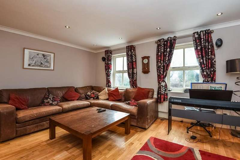 3 Bedrooms Town House for sale in Spencer Road, Bromley, BR1