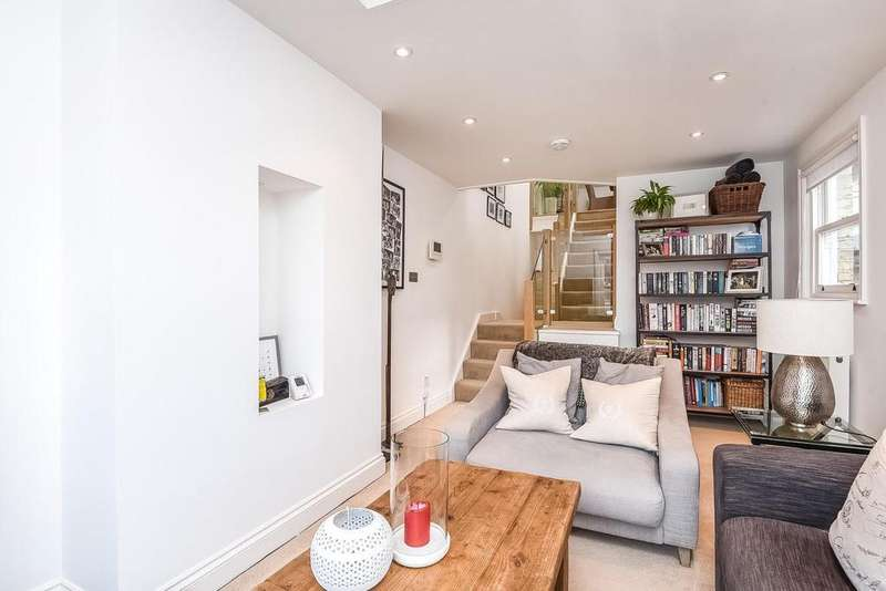 2 Bedrooms Flat for sale in Limburg Road, Battersea, SW11