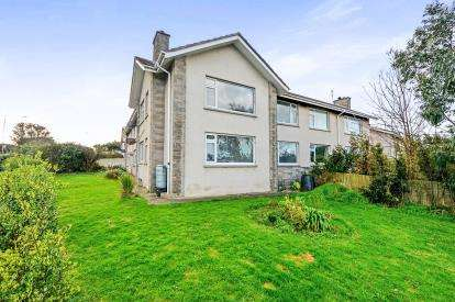 2 Bedrooms Flat for sale in Treninnick Hill, Newquay, Cornwall