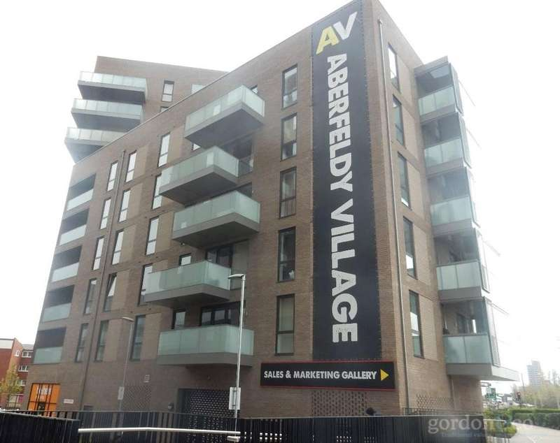 2 Bedrooms Flat for sale in Abbot Road, Poplar, London, E14