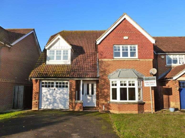 4 Bedrooms Detached House for sale in Marlfield, Staplehurst, Kent, TN12 0ST