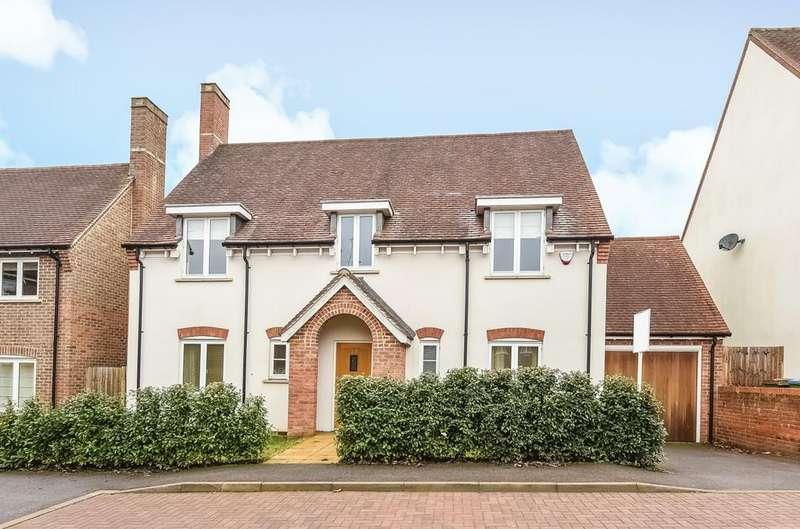 4 Bedrooms Detached House for sale in Trinity Fields, Lower Beeding, RH13