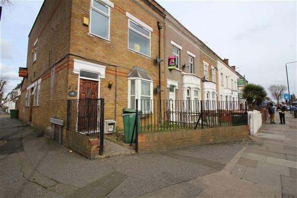 2 Bedrooms Apartment Flat for sale in Barking Road, East Ham
