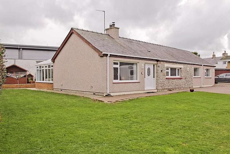 3 Bedrooms Detached Bungalow for sale in Penrhos Beach Road, Holyhead, North Wales