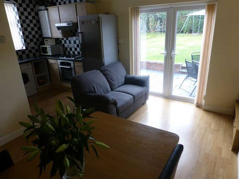 3 Bedrooms Detached House for sale in Park Road, Ponciau, Wrexham