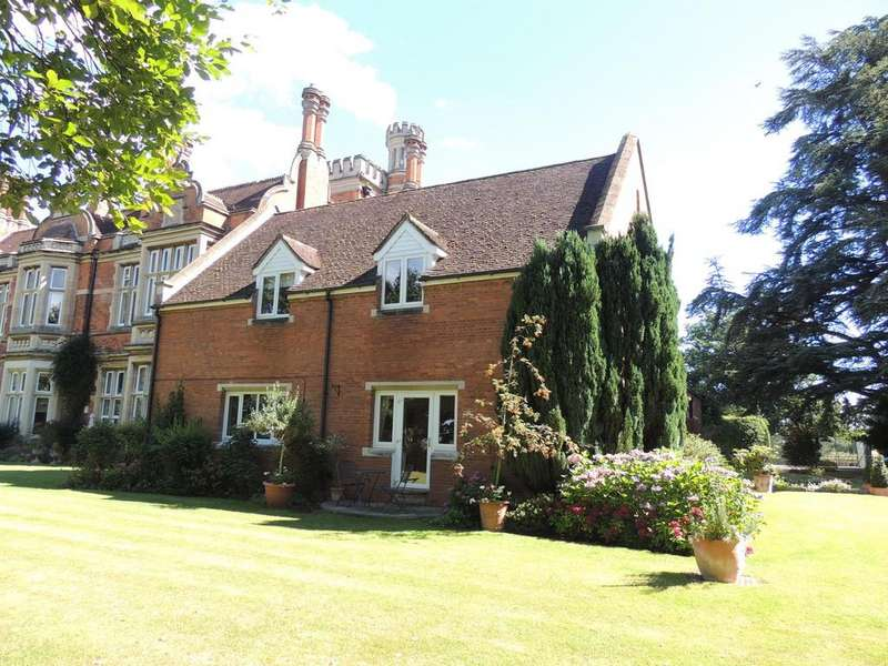 3 Bedrooms Mews House for sale in Warwick Road, Knowle