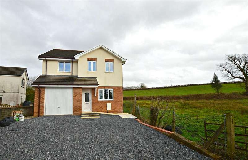 4 Bedrooms Detached House for sale in Llandybie