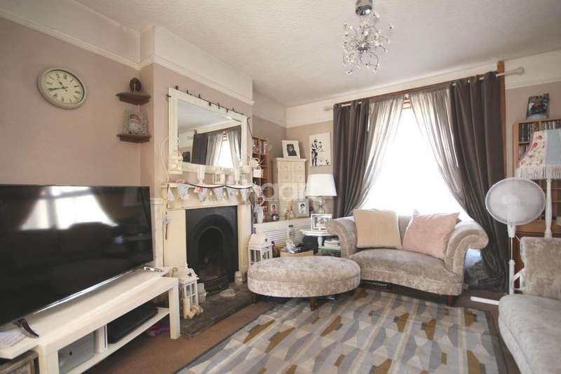 4 Bedrooms End Of Terrace House for sale in Beaver Road, Ashford, TN23