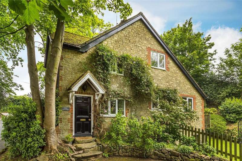 4 Bedrooms Detached House for sale in The Walk, Tandridge, Oxted, Surrey, RH8