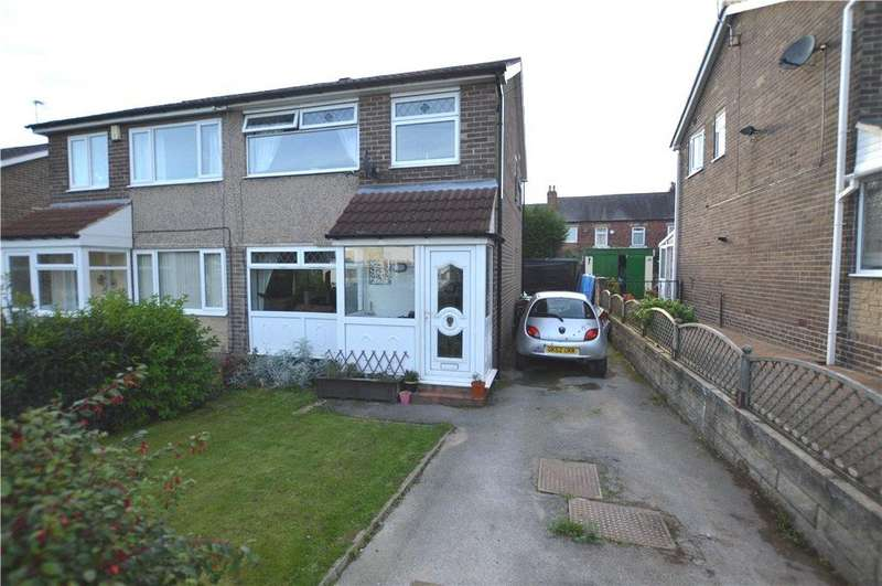 3 Bedrooms Semi Detached House for sale in Churchfield Grove, Rothwell, Leeds