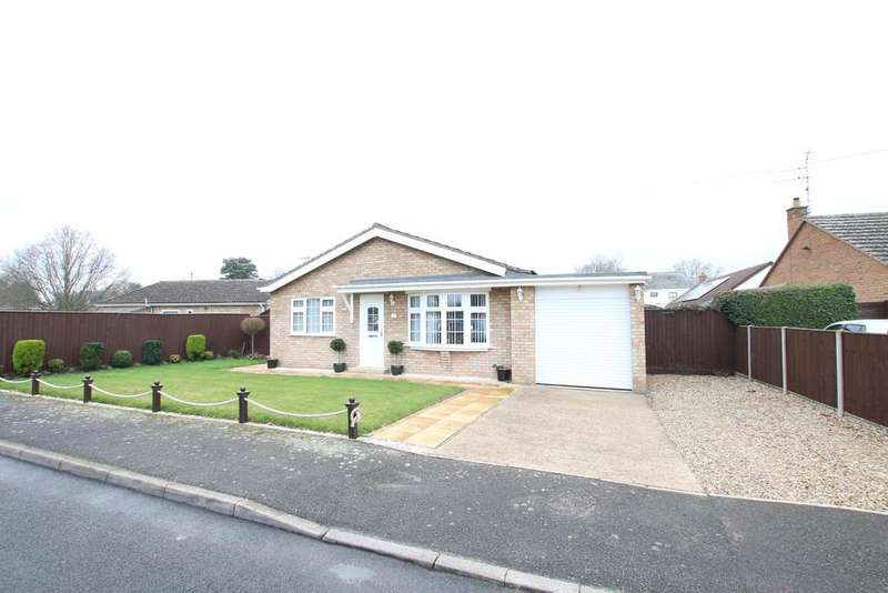 3 Bedrooms Detached Bungalow for sale in Meadow Way South, Wimblington