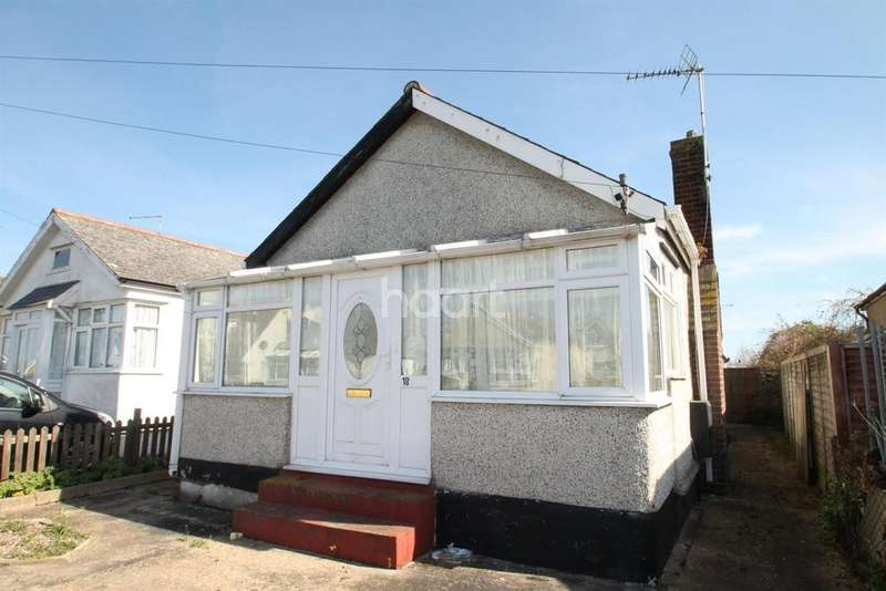 2 Bedrooms Bungalow for sale in Rosemary Way, Jaywick