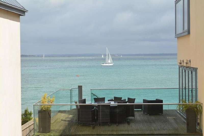 2 Bedrooms Apartment Flat for sale in Mornington Mews, Cowes