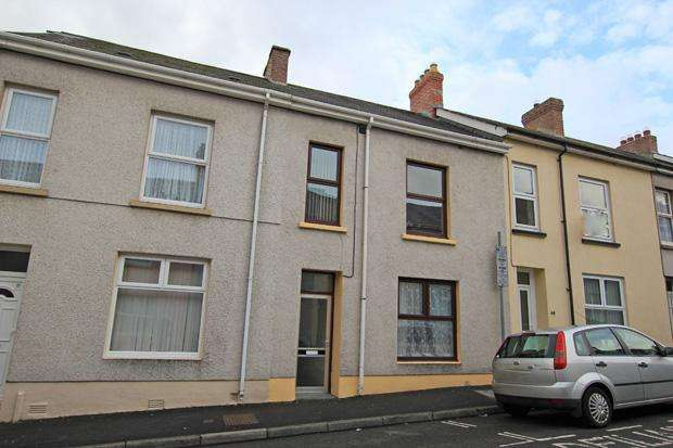 4 Bedrooms Terraced House for sale in Parcmaen Street, Carmarthen, Carmarthenshire