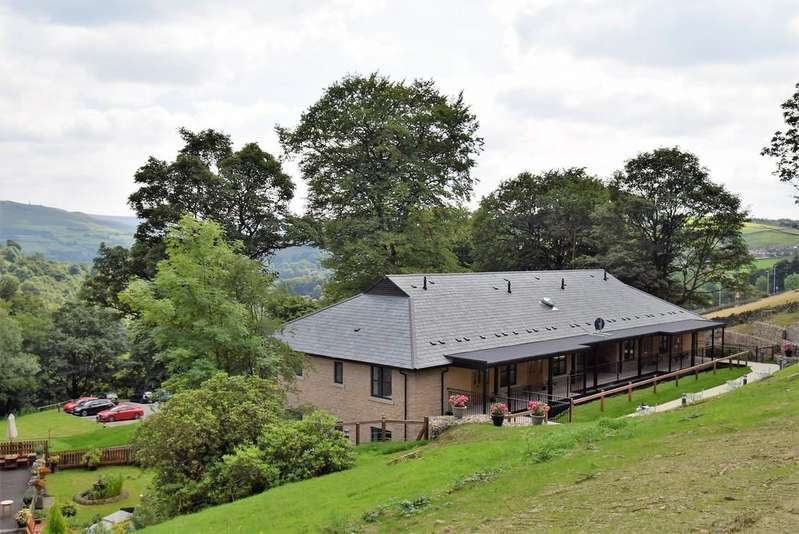 2 Bedrooms Apartment Flat for sale in 4 The Summerhouse Stoneswood Saddleworth