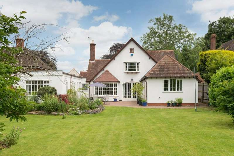 6 Bedrooms Detached House for sale in Banbury Road, Stratford-Upon-Avon