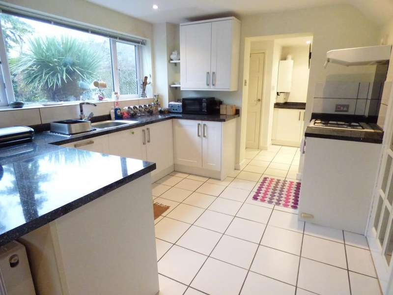 4 Bedrooms Detached House for sale in Sidelands Road, Stratford-Upon-Avon
