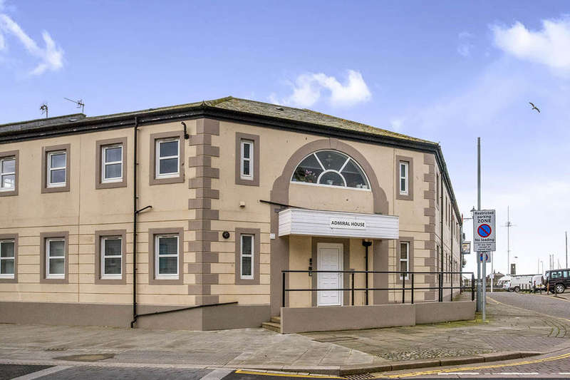 2 Bedrooms Flat for sale in Strand Street, Whitehaven, CA28