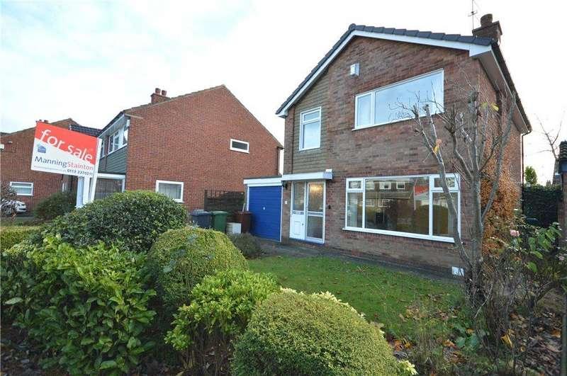 3 Bedrooms Detached House for sale in Sunningdale Green, Alwoodley, Leeds