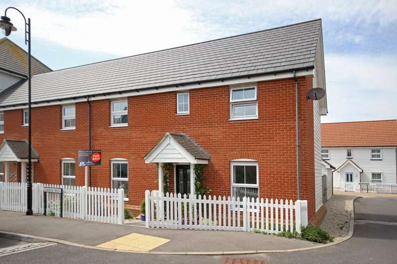 3 Bedrooms Semi Detached House for sale in Baker Way, Camber, East Sussex TN31 7SN