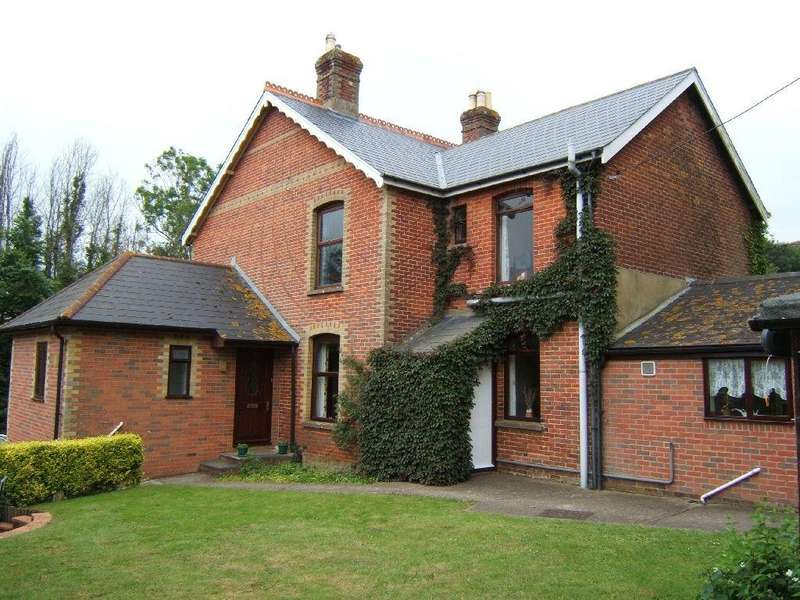 4 Bedrooms Semi Detached House for sale in Newchurch, Isle Of Wight
